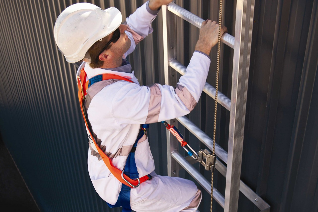 National Safety Stand-Down: Ladders - How to Prevent Roof Falls